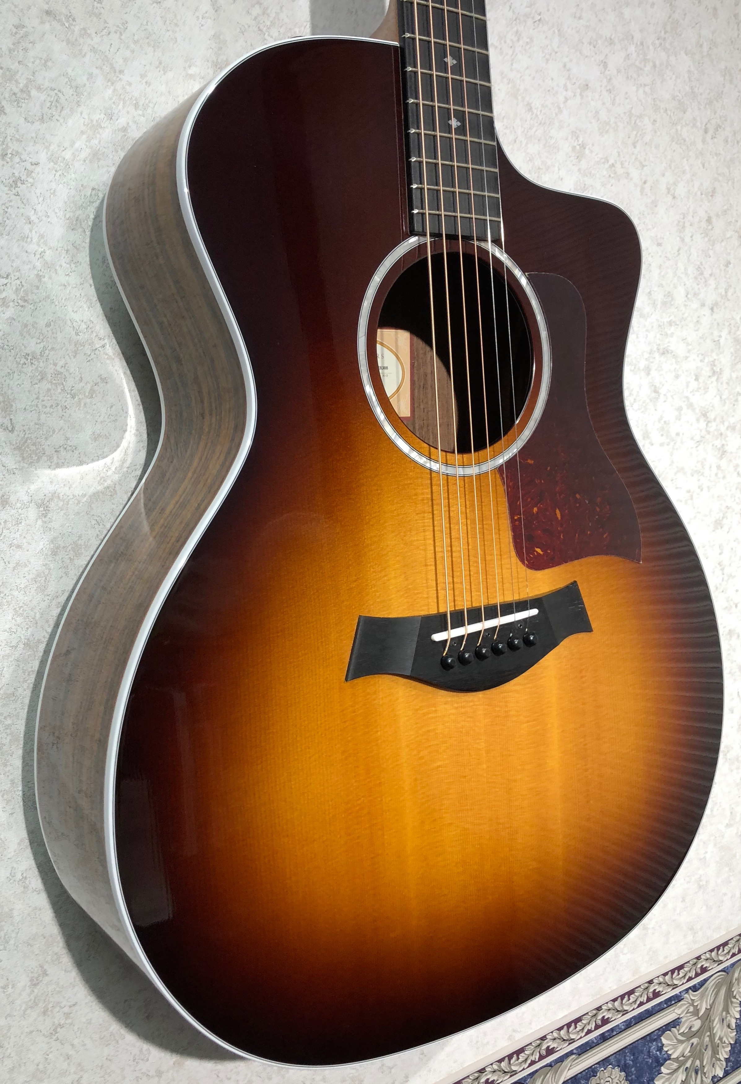 taylor guitars 214ce dlx sunburst legacy music. Black Bedroom Furniture Sets. Home Design Ideas